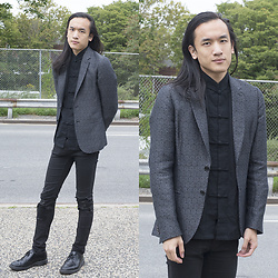 Xanthium James - Paul Smith Sports Coat, Ebay Frog Button Shirt, Cheap Monday Ripped Jeans, Dr. Martens Boanil Brush - Babes