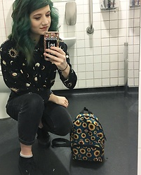 Idolsandanchors - Dickies Sunflower Mini Backpack, Vans Authentic Era, Asos Mom Jeans, Asos Sun, Moon Shirt - Waiting For Your Ghost