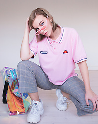 Rebecka Bjurmell - Joel Ighe X Chimi Eyewear Shades, Ellesse Shirt, Weekday Pants, Fila Sneakers, Official Gallery Bag - Vintage Ellesse