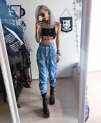 Kimi Peri - Love Too True Blair Classic Trousers, Love Too True Black Sporty Split Crop Top, H&M Chain, Petals And Peacocks Barbwire Socks, Blue Glasses, Vii & Co. Vegan Platform Boots, No Face Choker - Blair Witch
