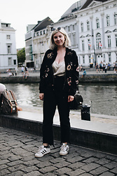 Elizabeth Claire - Whowhatwear X Target A Weekend In Ghent, A New Day Silver Tank, Boohoo Black Step Hem Jeans, Adidas Superstars - A Weekend in Ghent