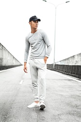 Melody CNF - Canifa Long Sleeve T Shirt, Canifa White Jogger Pants, None Black Cap - Street style with long sleeve t shirt & jogger