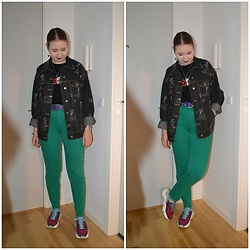 Mucha Lucha - H&M Denim Jacket, Bershka T Shirt, Second Hand Belt, H&M Jeans, Bershka Sneakers - Fun and colourful