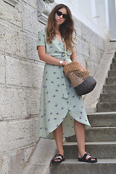 Olga Dupakova - H&M Dress, H&M Sandals, Swatch Watch - Livadia Palace