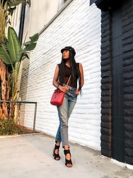 Shanell Holland -  - Casual Chic