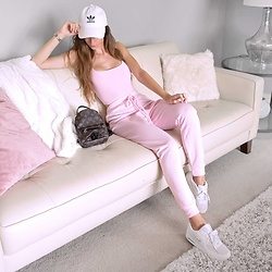 Tia Mcintosh - Like This Look On Instagram - Pink lounge