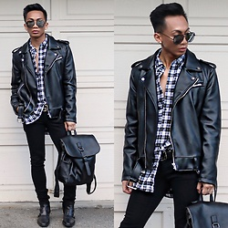 Paul Zedrich - Quay X Desi High Keys, Zara Moto Jacket, H&M Oversized Plaid Shirt, Gucci Belt, Levi's® Skinny Jeans, Zara Boots, Zaful Backpack - Black City Look 🖤