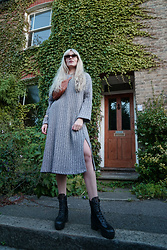 Carla V - Evatrends Knit Dress, Louis Vuitton Boots - S i m p l e