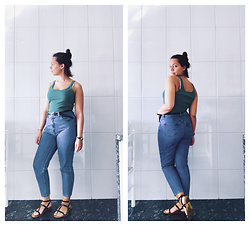 Mar S - Levi's® Mom Jeans, Tifosi Green Tank Top, Aldo Black Gladiator Sandals, Vaello Black Skinny Belt - #5. green for summer