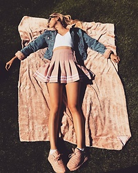 Lottie D. - Topshop Denim Jacket With Pink Cuffs, Hollister White Crop, H&M Baby Pink Pleated Skirt, Reebok Baby Pink Trainers - Baby spice.