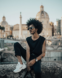 Marco Moura - Fila Sneakers, Zara Pants, H&M Top, Asos Sunglasses - All black around Rome
