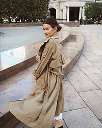 Julia Lundin - Zara Trench - Casual