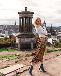 Miss Casual - Primark Simple White Sweater, Asos Sequin Skirt - Sequins during the day - Edinburgh