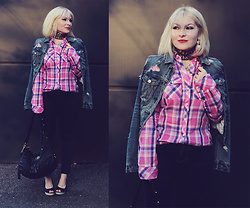 Anca Varsandan - Abercrombie & Fitch Shirt, American Eagle Outfitters Denim Jacket, Diesel Jeans, Guess Bag, Tommy Hilfiger Shoes - Hot Pink