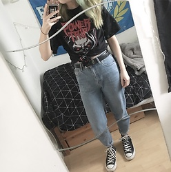 Idolsandanchors - Power Trip Tshirt, Topshop Mom Jeans, Converse High Tops - Soul Sacrifice