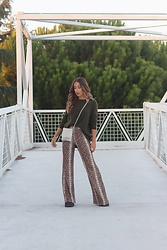 Claudia Villanueva - Zara Sweater, Bershka Bag, Lefties Pants - Another shade of snake skin