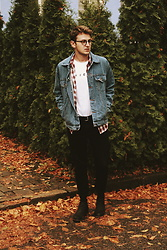 Anel Musanovic - Levi's® Jeans Jacket, Asos Friends T Shirt, Levi's® Plaid Shirt, H&M Black Jeans, Chelsea Boots, Asos Vintage Glasses -  autumn clothes, rust lives and sound of jazz.