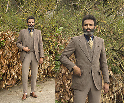 Dualleh Abdulrahman - Harris Tweed Blazer, Harris Tweed Pants, Harris Tweed Waistcoat, Hugo Boss Cognac One Strap Shoes, Profomo Denim Shirt Buttoned Down, Society Shoo Light Green Silk - Autumn essentials