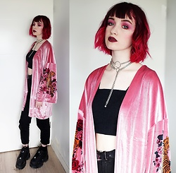Lea B. - Undiz Kimono, Buffalo London Shoes - Pink Velvet