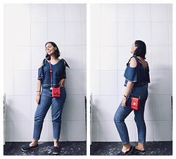 Mar S - Pepe Jeans Blue Top, Levi's® Mom Jeans, Tommy Hilfiger Flat Denim Shoes, Cromia Red Small Bag - #6. red and blue