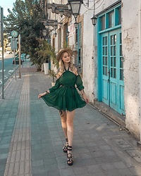 Katarzyna KOKA Konderak - Na Kd Dress - Bottled green dress