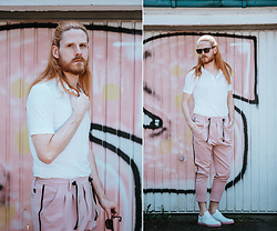 Maik - Massimo Dutti Polo, Diesel Sunglasses, Karl Mommoo Homme Trousers, Selected Homme Shoes - Polo and pink pants