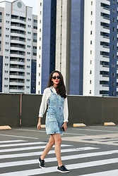 Camilla Brozzo - Zerouv Sunglasses, Damyller Shirt, Damyller Dress, Arezzo Shoes - Denim dress