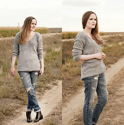 Emily S. - Zaful Sweater, Adriano Goldschmied Jeans, Marc Fisher Chelsea Boots - Oversized Grey Pullover & Denim