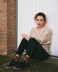 Silvy De Jong - Bellerose Jumper, Monki Corduroy Pants, Adidas Sneakers, Levi's® Socks - Fall favorites
