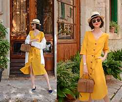 Daisyline . - Reserved Linen Dress, Zara Leather Bag, Massimo Dutti Flats, Oysho Hat, Ray Ban Sunnies - Pretty streets of Valldemossa - Mallorca