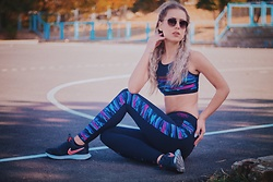 Aevoulette Benssalconia - Lisca Top, Lisca Leggings, Nike Sneakers - Cheek by Lisca