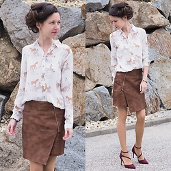 Claire H - Zara Blouse With Unicorns, H&M Fake Leather Skirt, Aldo Shoes - Shades of autumn