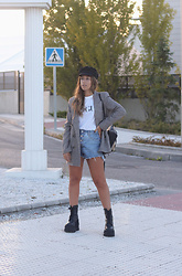 Claudia Villanueva - H&M Cap, Zara Blazer, Vogue T Shirt, Shein Backpack, Bershka Shorts, Un Paso Mas Boots - Casual & Business