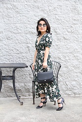 Kristen Tanabe - Astr Floral Dress, Chelsea28 Silver Chain Purse, Michael Kors Pointed Buckle Kitten Heels, Balmain Round Sunglasses - Wild Wallflower
