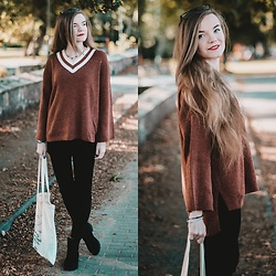 Karolina N. - Zaful Sweater, H&M Pants - SWEATER WEATHER