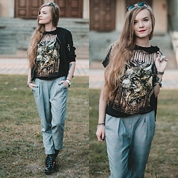 Karolina N. - Zaful Bomber Jacket, Stradivarius Pants, Zaful Boots, Medicine T Shirt - FOX
