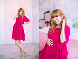 Julia F. - Asos Earrings, Asos Dress - Throwback pregnancy