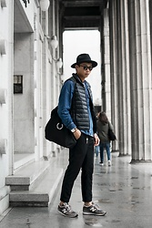 Anan Chien - H&M Hat, Uniqlo Vest, Fred Perry Bag, New Balance Shoes - OOTD