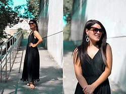 Lucia Gallego -  - Black summer dress
