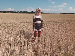 Emmalynn V - Gucci Flip Up Sunglasses, Zimmermann Painted Hearts Bikini, Vienne Milano Stockings - Wheat Field Abduction