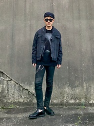 ★masaki★ - H&M Military Cap, Neuw Denim Relaxed Bomber, Jesse Draxler Tee, Neuw Denim Iggy, Dr. Martens Loafers - SIMPLE + BLACK