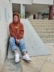 Irinka Andreeva - Converse Sneaker, Monki Hoodie, Monki Denim - All the feels