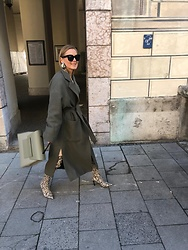 Anna Borisovna - Zara Coat, Mango Overknees, Fetiche Brand Moscow Bag - The Green Coat