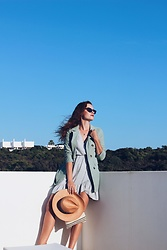 Lina . - Shein Blazer, Lefties Linen Like Dress, Season Blush Clutch Bag - I can't believe I miss summer already