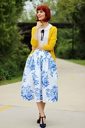 Bleu Avenue - Chic Wish Blue Floral Sketch Pleated Midi Skirt, Mak Charter School Cardigan In Mustard, Qupid The Zest Is History Heel In Navy - Dresden Blue