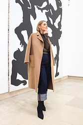Anna Borisovna - The Curated Content Coat, Massimo Dutti Jeans, Mango Shoes, Mango Sweater - The cashmere coat