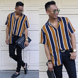 Paul Zedrich - Quay X Desi Green/Gold High Keys, Zara Shirt With Vertical Stripes, Asos Super Spray On Jeans, Gucci Signature Belt, Gucci Horsebit Loafers, Zara Zipper Clutch - Glamour never takes a day off. - Iman ✨