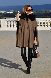 Butterfly Petty - Zara Cape, Zara Pants, Guess Bag, New Yorker Boots - Sherlock holmes cape