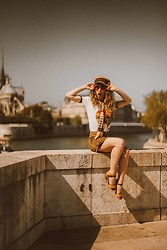 Alexe Bec - Brixton Cap, Electric West T Shirt, Waiste Vintage Scarf - Summer days in Paris.