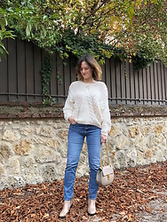 The laid-back girl Léa - Mango Sweater, Levi's® Jeans, Betty London Golden Boots, Chloé Bag - Cable knit and golden boots